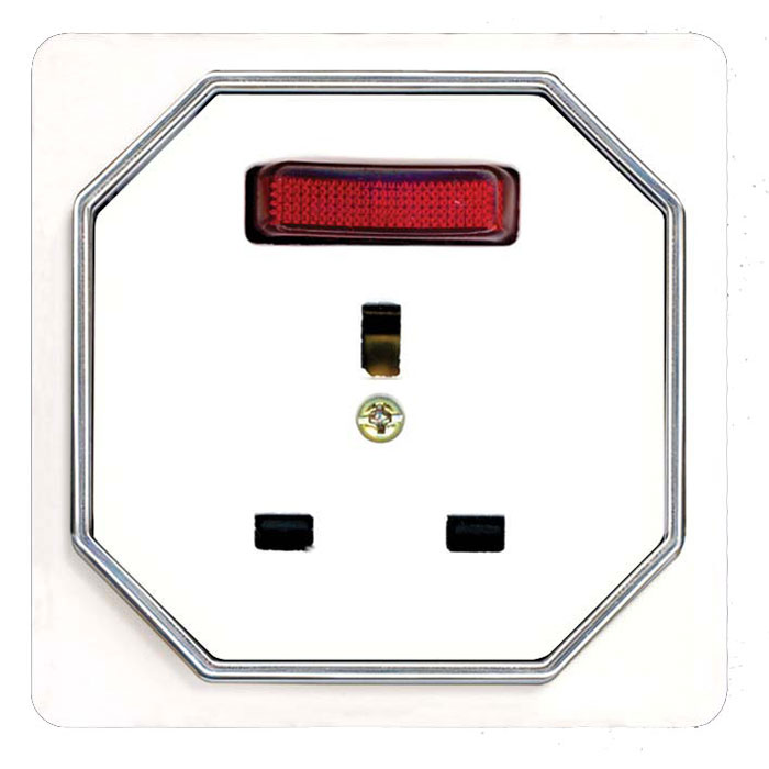 Broco Electrical - British Standard Socket Outlet with Switch, Indicator Lamp with Child Protection