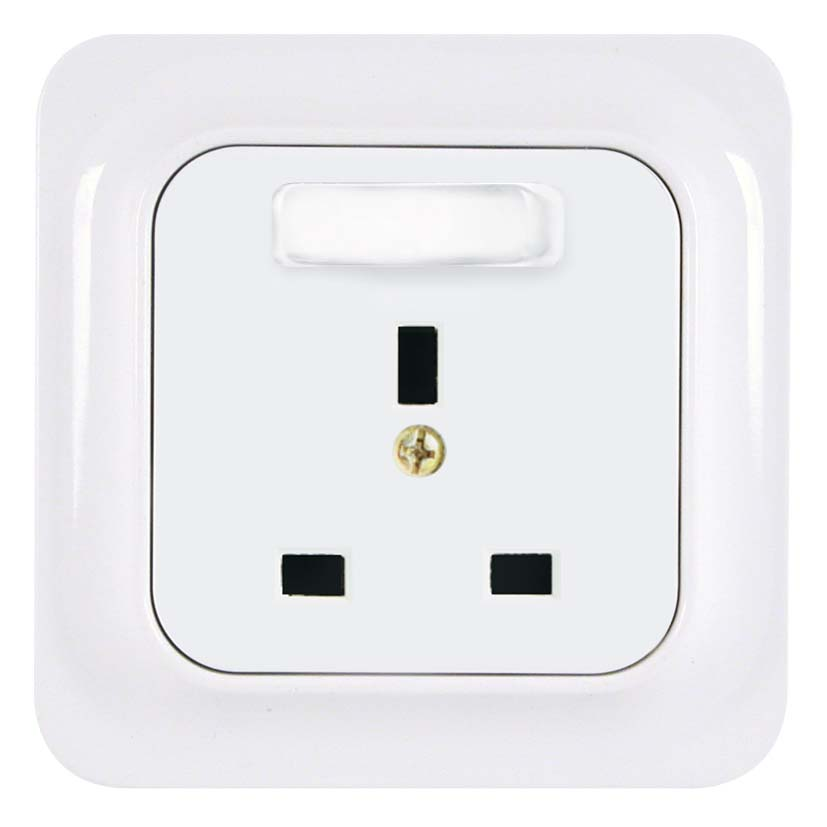 Broco Electrical - British Standard Socket Outlet with Switch & Child Protection
